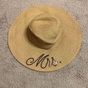 Mrs. sun hat